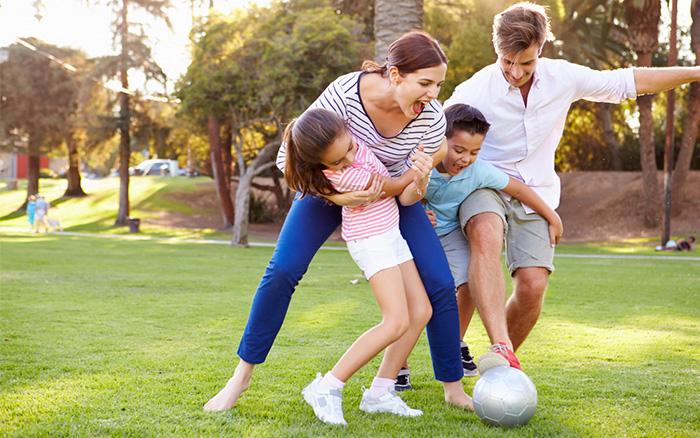 Jouer avec les enfants