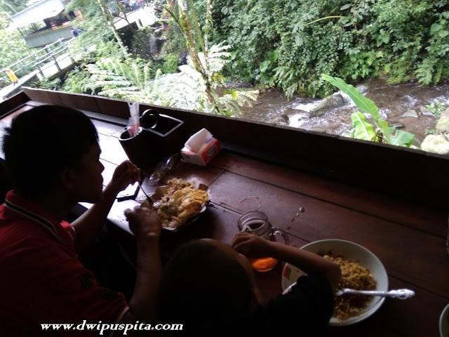 Kuliner Di Kawasan Air Terjun Dlundung Trawas