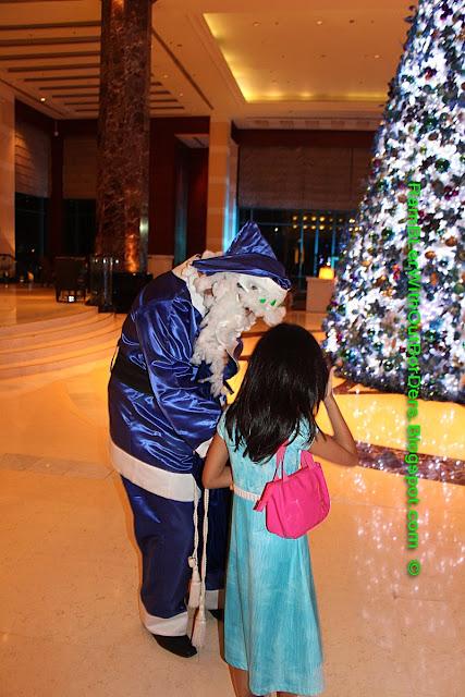 Santa Claus, Radisson Blu Hotel, Cebu, Philippines