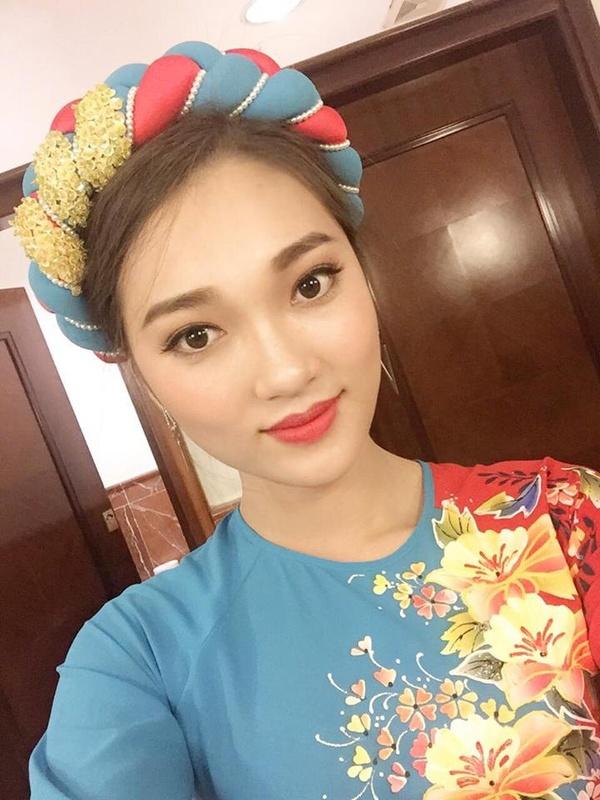 Lộ ảnh đời thường nữ PG xinh đẹp hơn cả dàn hoa khôi Kinh Bắc