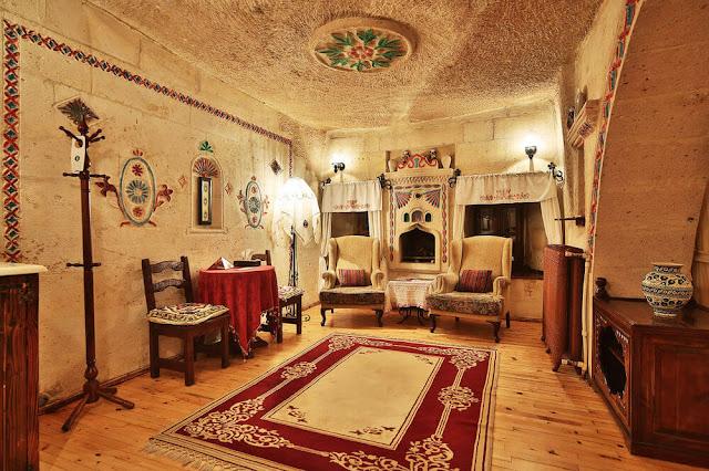 Ngày nay, nhiều chủ khách sạn đã dùng chúng để xây nên những phòng ốc tiện nghi và hiện đại nhằm phục vụ khách du lịch đến từ khắp nơi trên thế giới. Hãy thử qua đêm ở những khách sạn độc đáo chỉ có ở Thổ Nhĩ Kỳ, đó sẽ là trải nghiệm vô cùng tuyệt vời cho bạn khi đến đất nước mộng mơ này.