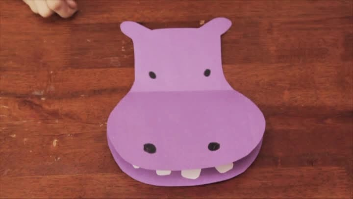 http://www.ehow.com/video_12283810_hippo-preschool-craft.html