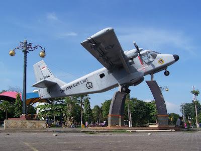 Cpns 2013 Di Jawa Timur Badan Kepegawaian Daerah Bkd Provinsi Jawa Timur Di Alun Alun Kota Lamongan Lokasinya Tepat Di Bagian Tengah Kawasan