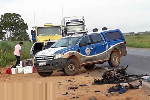 Barreiras colis o entre carro e moto deixa um morto na br for Blog mural do oeste