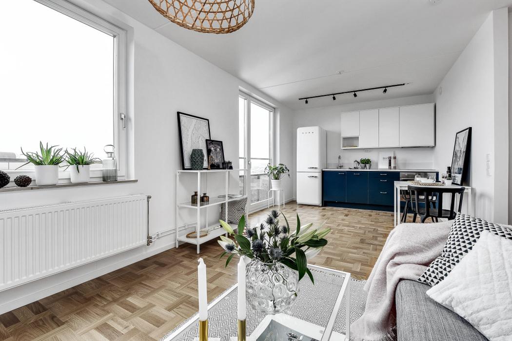 detalle salon apartamento decoracion blanco y negro