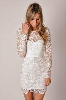vestido curto simples para noivas magras