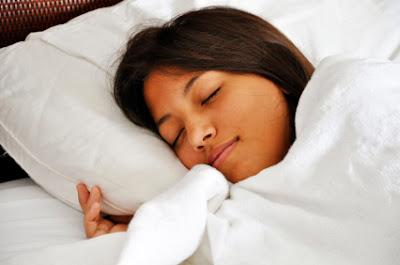 Inikah Bahaya Jika Tidur Dengan Lampu Yang Menyala