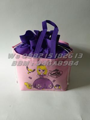 TAS ULTAH ANAK SERUT BOX 20X20