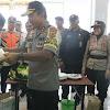 Kapolda Sulsel Makan Bersama Buruh Pelabuhan Makassar