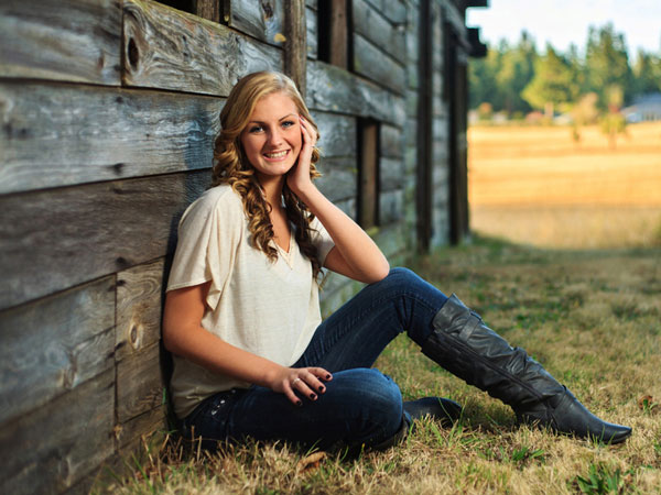 Senior picture portrait ideas backlit outdoor fall leaves ... |Senior Picture Ideas For Girls Outside