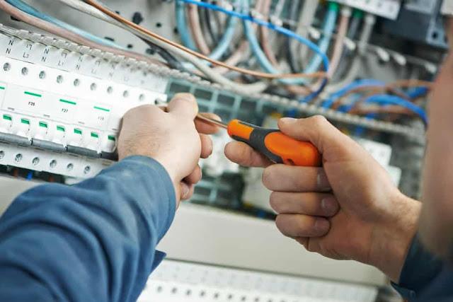 Cuestiones relacionadas con las ITC-BT-03 + ITC-BT-04 + ITC-BT-05 + ITC-BT-10  Reglamento Electrotécnico de Baja Tensión