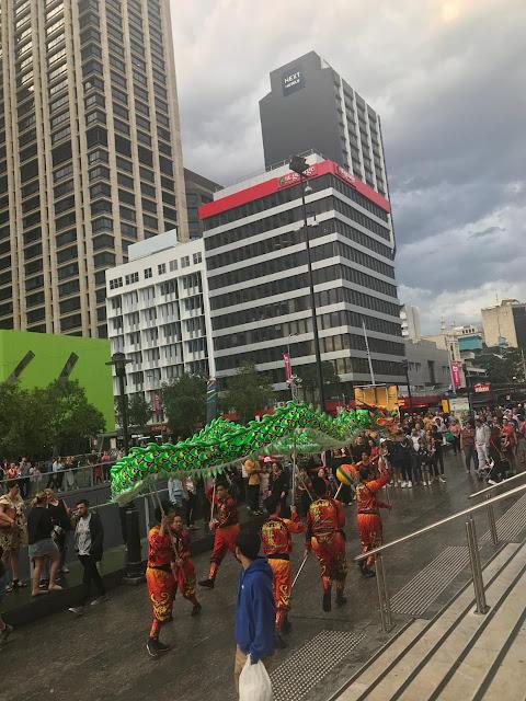 atraksi pesta kembang api - Brisbane Sunsuper Riverfire