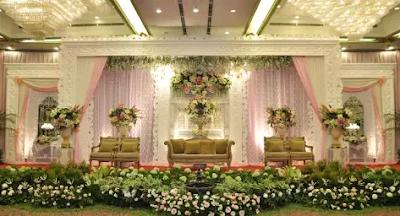 dekor pernikahan klasik modern
