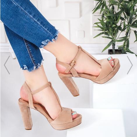 Sandale dama cu toc bej cu toc gros inalt de zi elegante foarte ieftine