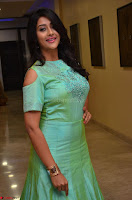 Pooja Jhaveri in Beautiful Green Dress at Kalamandir Foundation 7th anniversary Celebrations ~  Actress Galleries 060.JPG