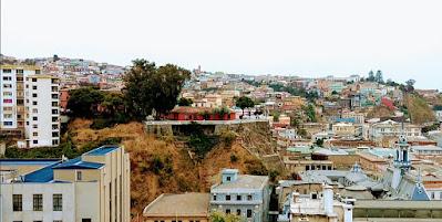 Importante ciudad con casas de madera en Valparaíso Chile