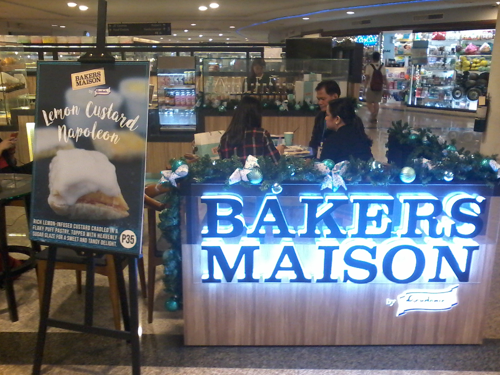 Bloggers association of the philippines bakers maison for Association maison