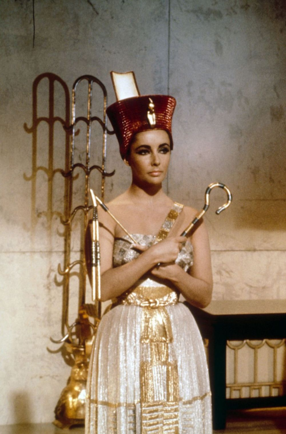 aa100 cleopatra portrayal 1963 film 'was cleopatra a diva', message to aa100  part 1 cleopatra compare and contrast the depictions of cleopatra in the 1934 and 1963  her portrayal was.