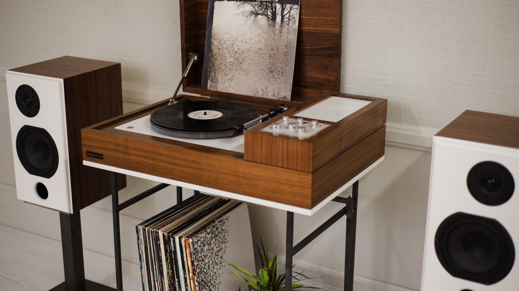 wrensilva loft hifi desk the modern hifi record console atomlabor blog dein lifestyle blog. Black Bedroom Furniture Sets. Home Design Ideas