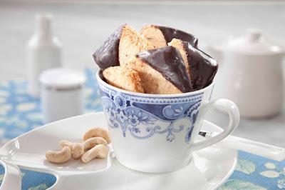 بسكويت الكاجو بالشوكولاتة - مطبخ منال العالم
