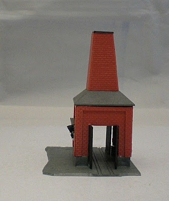 Vintage Plastic N Gauge Building - Red Brick Kiln  (ref B8)