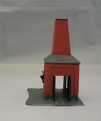 Vintage Plastic N Gauge Building - Red Brick Kiln  (ref B8)