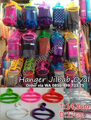 Hanger Jilbab Oval