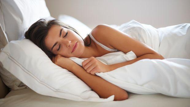 مشروبات طبيعية تساعدك على النوم والتخلص  من التعب والأرهاق قبل النوم