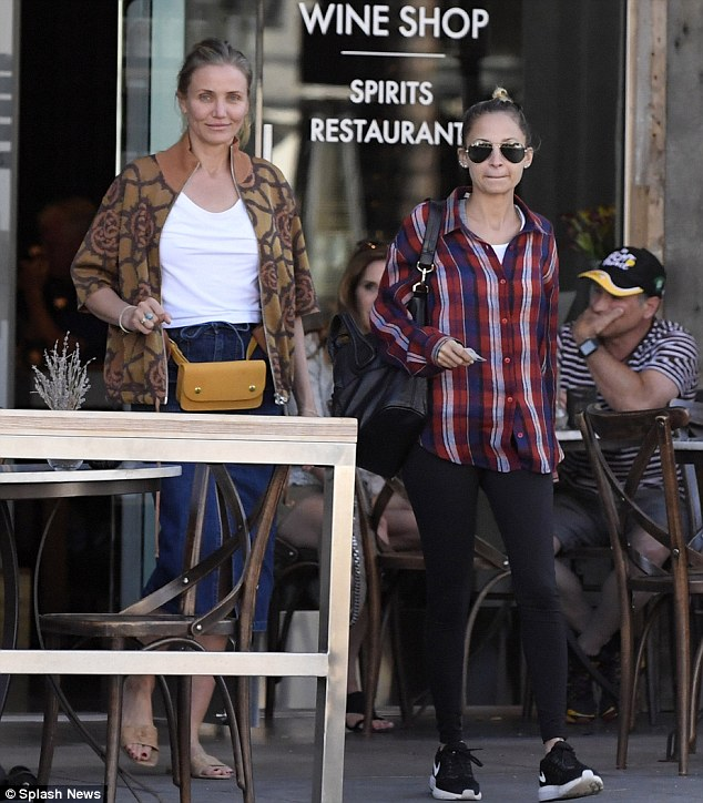6f5d4af56dee Nicole Richie was pictured with her sister in law, Cameron Diaz (July 6th)  leaving a wine shop and restaurant in Beverly Hills.