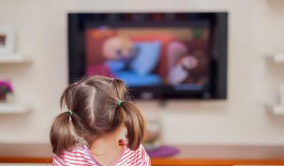 السم القاتل للاطفال وهو التليفزيون تعرف  على  خطورة التليفزيون