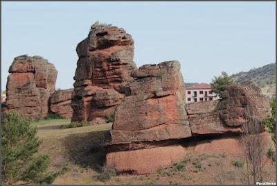 Torreones rocosos próximos a Chequilla