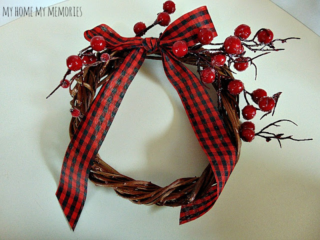 Christmas-plaid-wreath-with-faux-red-berries