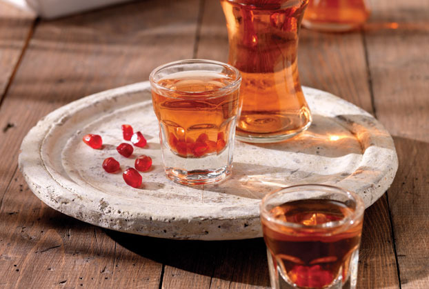 Homemade pomegranate liqueur recipe