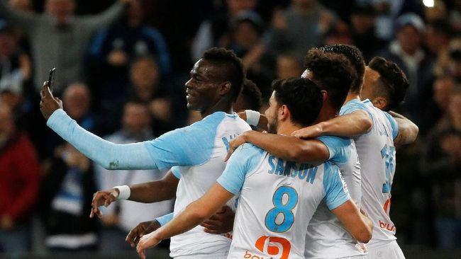 Mario Balotelli Merayakan Gol Saltonya Lewat Akun Instagramnya 2019