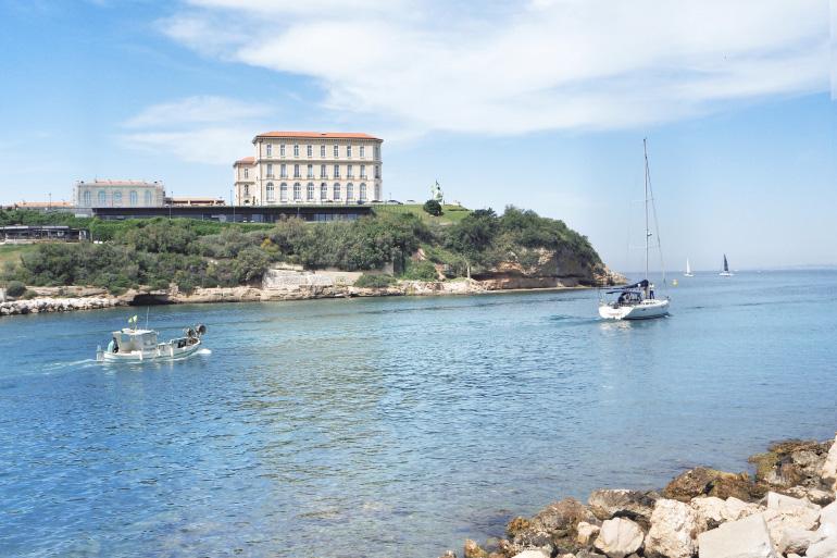 Vue sur le palais du Pharo à Marseille