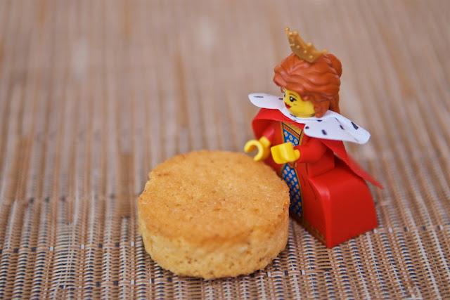 Biscuiterie de Chambord - Croustillant orange - Lego Queen - Dessert - Orange - Biscuit - Gâteau - Food