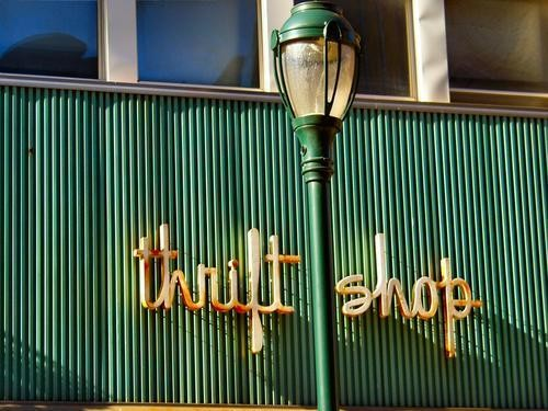 Top 10 tips for thrifting - Hello Glow