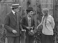 "Кадр из фильма Чарли Чаплина ""Бродяга"" / The Tramp (1915) - 28"