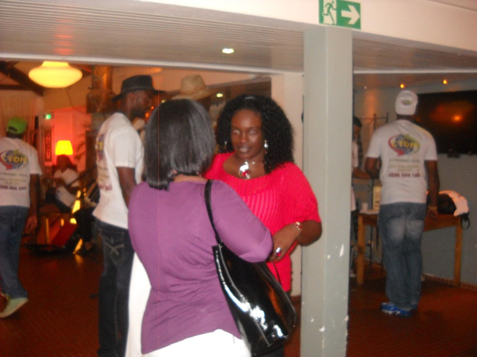 Scripta manent: Карибски дневници - 12: Коледно парти по ... - photo#50