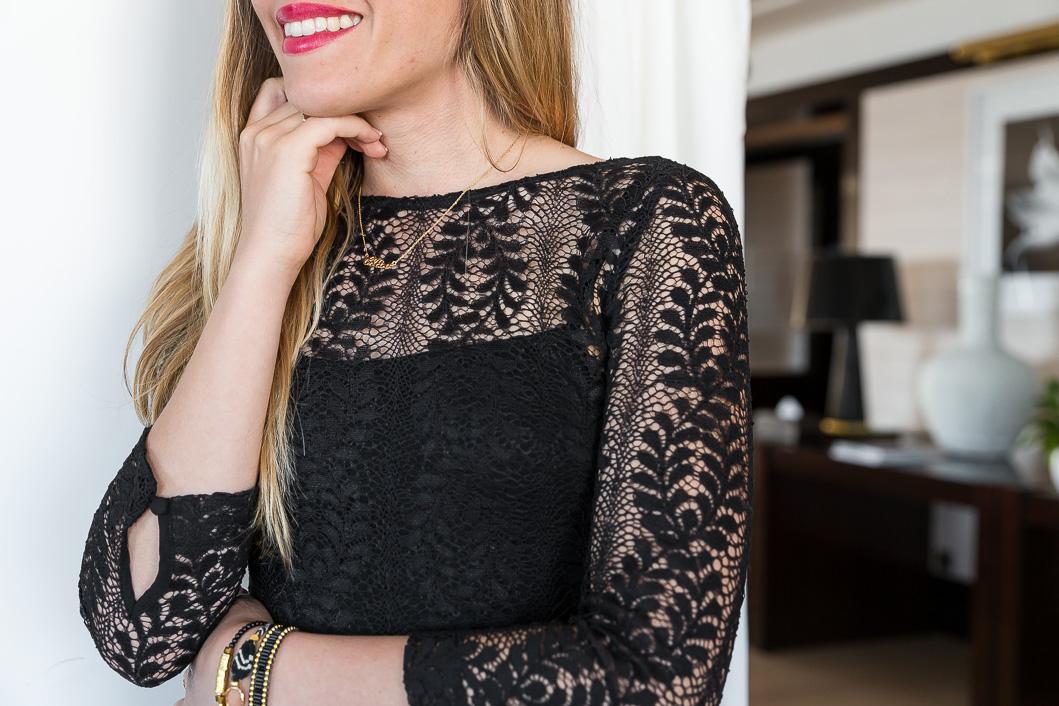 détail robe dentelle noire