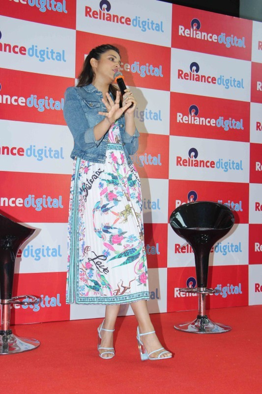 Parineeti Chopra Snapped at Reliance Digital Store Event