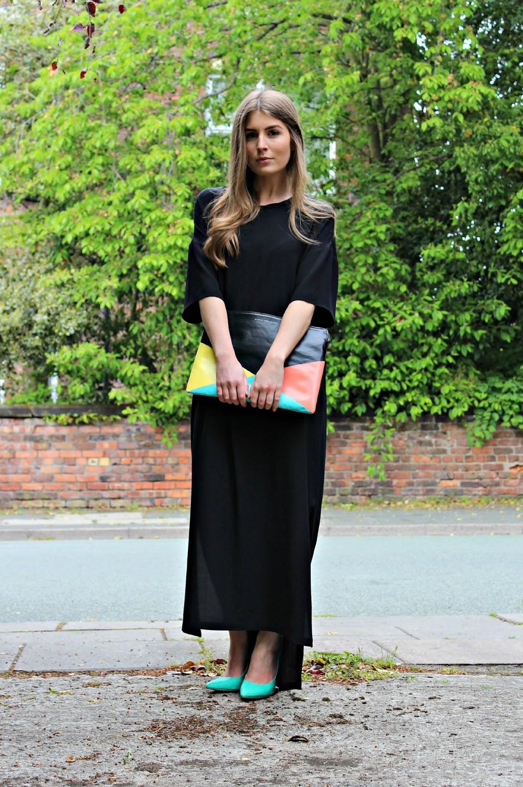 24b3aa1e5bc Outfit  Oversized Maxi Dress