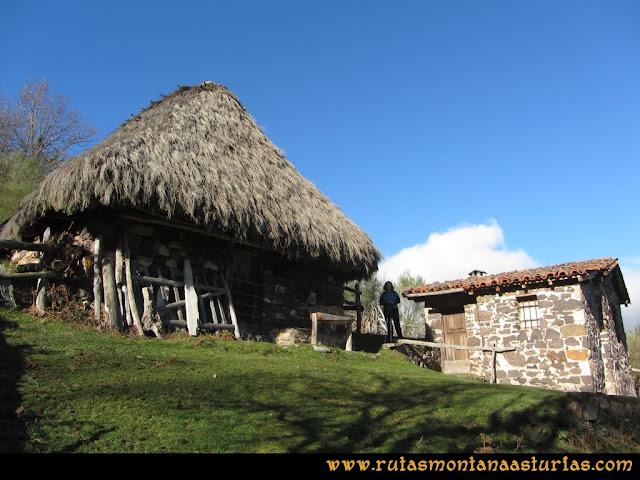 Ruta Tromeu y Braña Rebellón: Cabaña y Teito