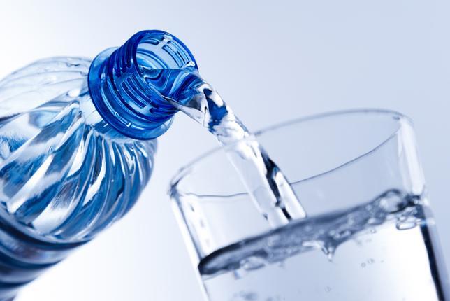 picie wody zalety plusy nawilżanie od środka