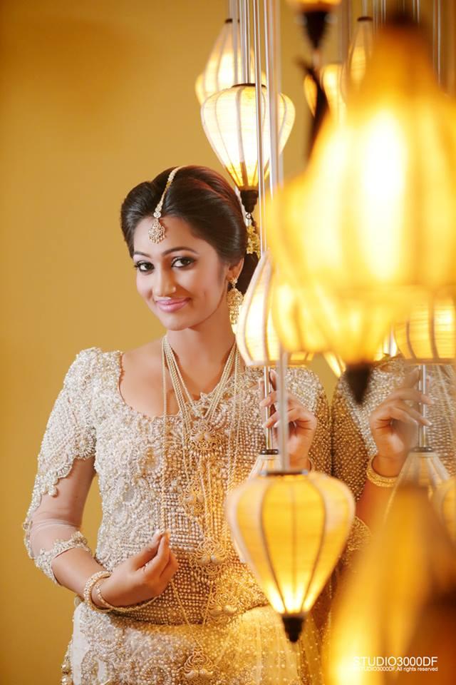 upeksha swarnamali wedding hot photos