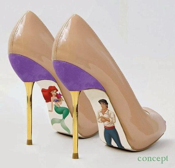 Ariel e Principe Eric desenhados na parte inferior do sapato louboutin