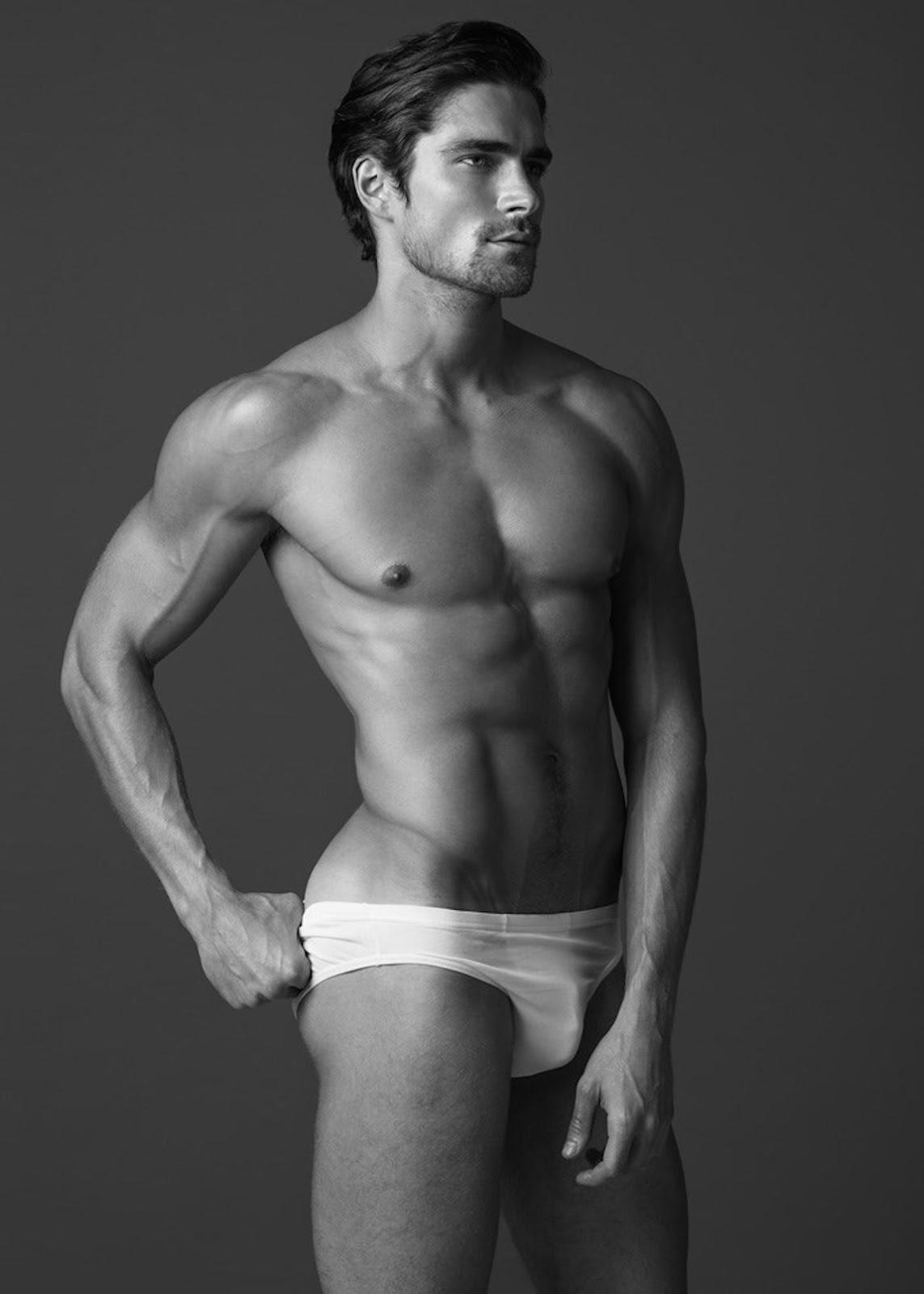 Men Posing Nude Side
