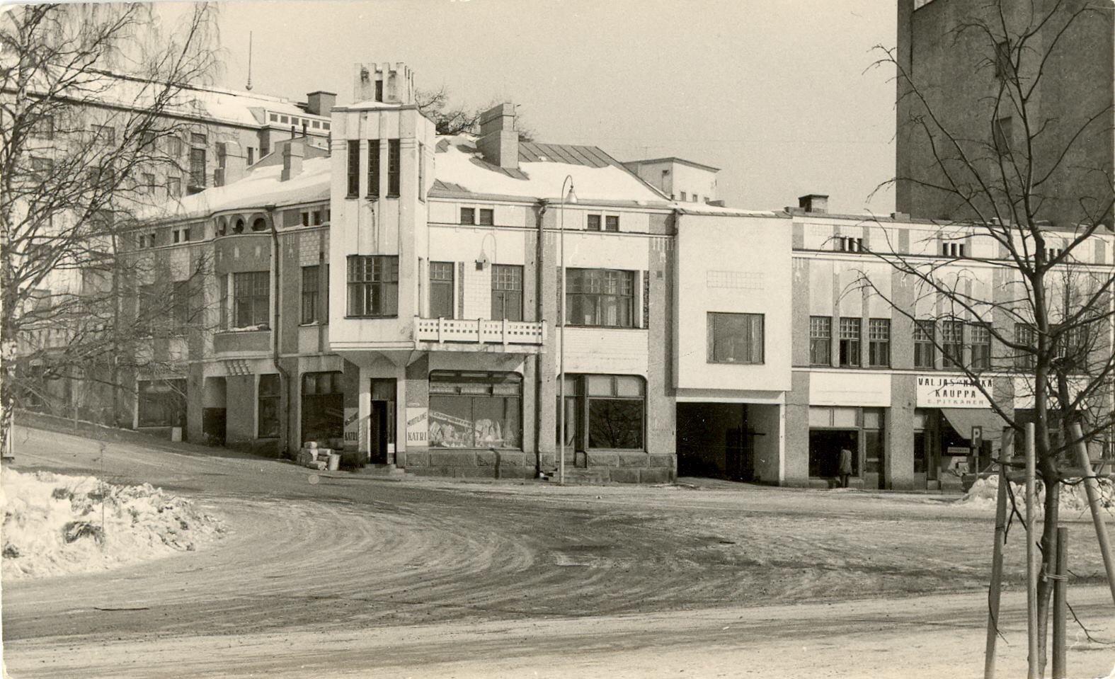 Lauri Korhosen suunnittelema Satamakatu 5 oli kaupungin komein  jugend-rakennus 3fad7d908b