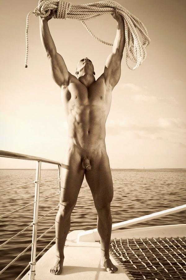 Naked gym men selfies