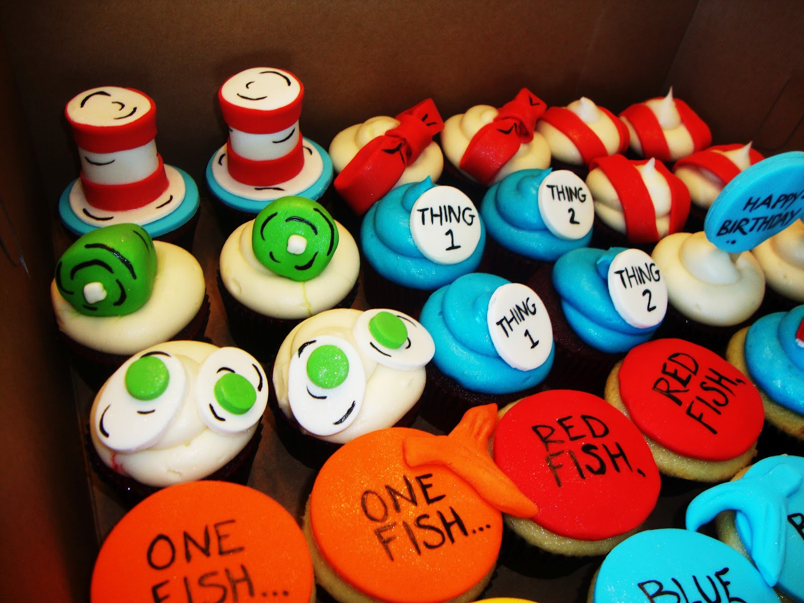 Cake Obsessions: DR SEUSS CUPCAKE CRAZE